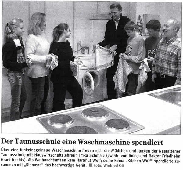 Der_Taunus-Schule_eine_Waschmaschine_spendiert