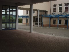 Schulhof 1